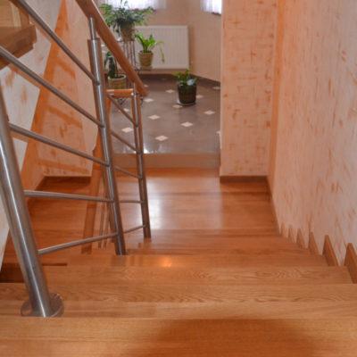 schody-drewaniane-stolarnia-krakow-woma-34