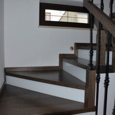 schody-drewaniane-stolarnia-krakow-woma