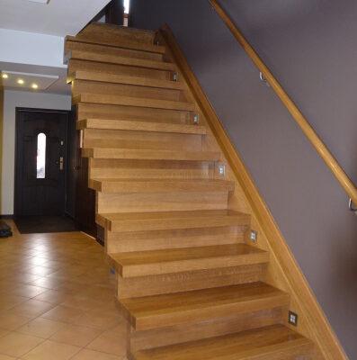 schody-dywanowe-krakow-stolarnia-woma