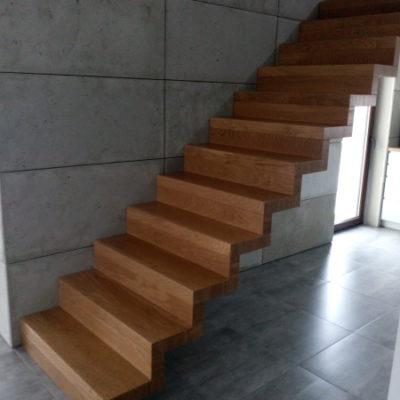 schody-dywanowe-krakow-stolarnia-woma-7