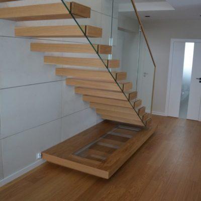 schody-polkowe-stolarnia-krakow-woma-4