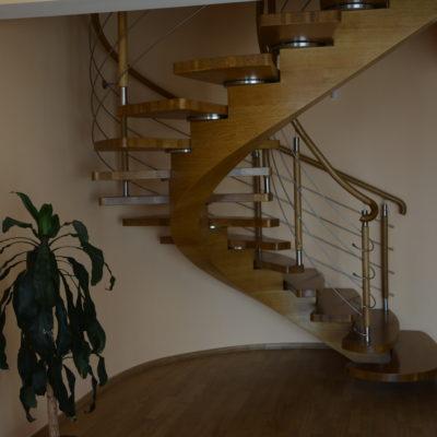 schody-polkowe-stolarnia-krakow-woma-6