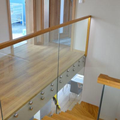 schody-drewniane-stolarnia-woma