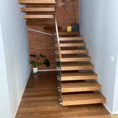 schody-wspornikowe-jesionowe-balustrada-szklana-5.jpg